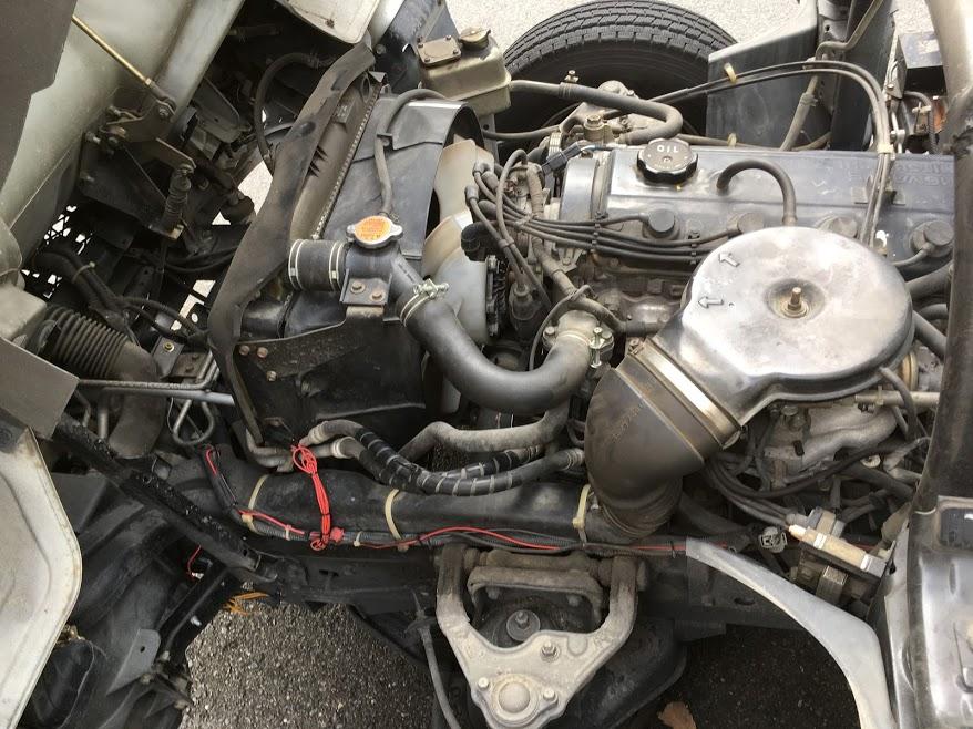 自社トラックのエンジンオイル交換