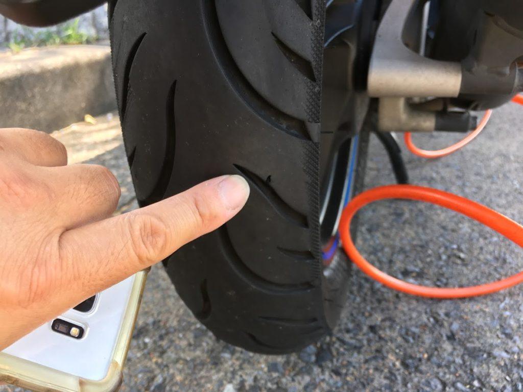 PCXのタイヤパンク