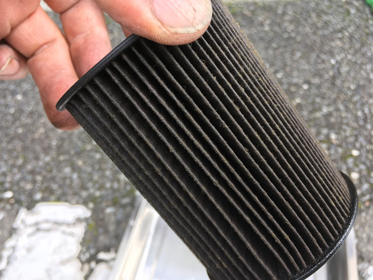 R55の汚れた燃料フィルター